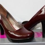 Обувь бордового цвета — с чем носить?
