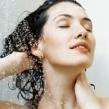 Как справиться с жирными корнями волос и почему ваш кондиционер здесь ни при чем