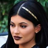 Флеш-тату на волосах: популярный новый бьюти-тренд