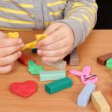 Пластилин для детей — какой, когда, как?