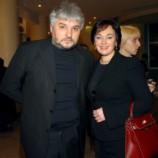 Муж Ларисы Гузеевой публично уличил ее в «фальши»