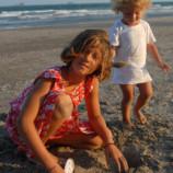 Как устроить супер-песочницу на пляже?