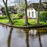 Сказочная деревня, в которой по улицам нужно плыть