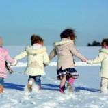 Прогулки на свежем воздухе как важная составляющая здоровья ребенка: физическая активность и не только