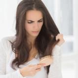 Почему мы их теряем: 5 самых распространенных причин выпадения волос