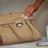 Как чистить дамские сумочки и кошельки