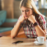 Всегда вовремя, всегда ждете: 9 проблем, если вы пунктуальны, а он нет
