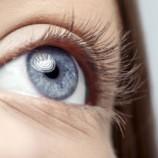 Ресничка к ресничке: как сделать взгляд выразительным без туши и теней