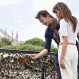 «Замки любви» чуть не уничтожили парижский Мост Искусств