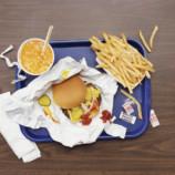 Фастфуд-диета: специалисты посоветовали не рисковать здоровьем