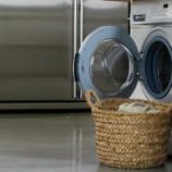 Невозможное возможно! Как правильно стирать пуховики и угги?