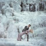 Любовь сильнее холода. Невероятная фотосессия влюбленных на фоне зимы