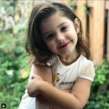 Бьюти-блогер с пеленок. Видео, как 3-хлетняя девочка наносит макияж, посмотрели миллион человек