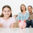 Мама берет с дочери арендную плату — чтобы она знала цену деньгам